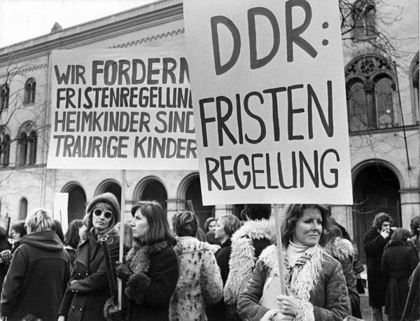 Demonstration für die DDR-Fristenlösung, München 1975. Quelle: EMMA-Archiv © Isolde Ohlbaum