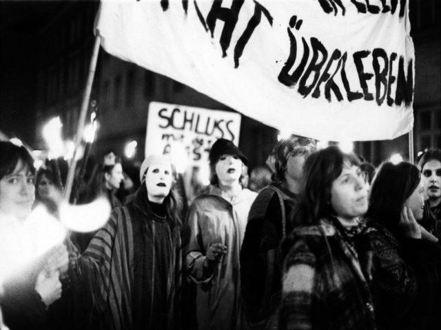 Walpurgisnachtdemo, Bildquelle: EMMA-Archiv, © Margarete Redl-von Peinen (FMT-Signatur: FT.02.0166)