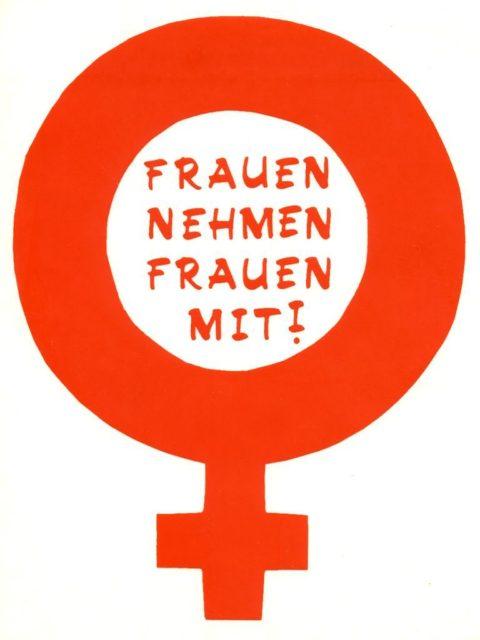"""Sticker """"Frauen nehmen frauen mit"""", Bochum (FMT-Signatur: VAR.01.083)"""