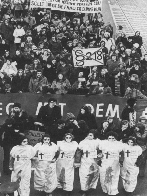 Demo gegen BVG-Urteil, 1975 © Michael Meyborg (FMT-Signatur: FT.02.0026)
