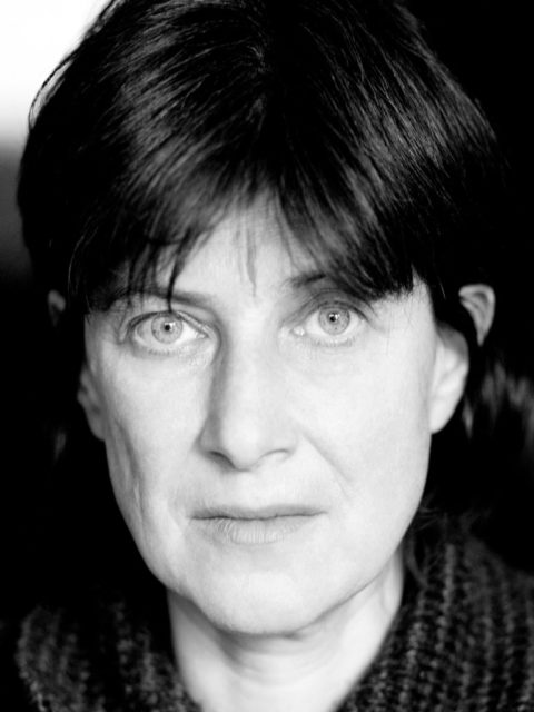 Chantal Akerman, Filmemacherin, in ihrer Wohnung in Paris, 14.2.2003, © Bettina Flitner
