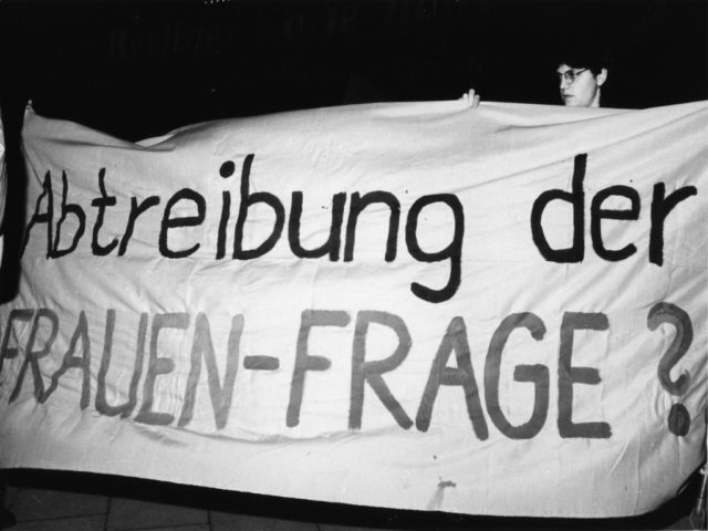 © Bettina Flitner, First women's demonstration in Eastern Berlin, 13.02.1990 (FMT Shelf Mark: FT.02.0101)