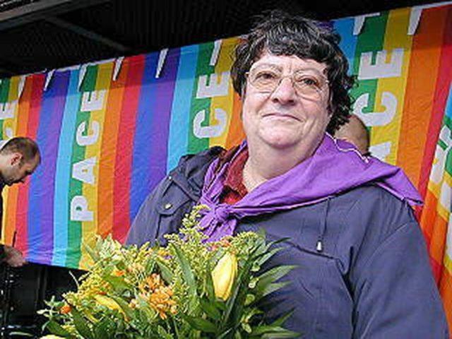 © Helga Tröskens, 2004 Externer Link