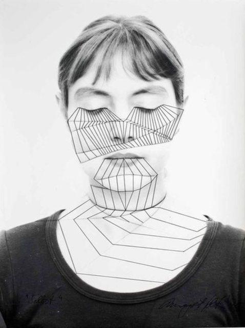 © Annegret Soltau, http://www.annegret-soltau.de/de/galleries/selbst-1975-76