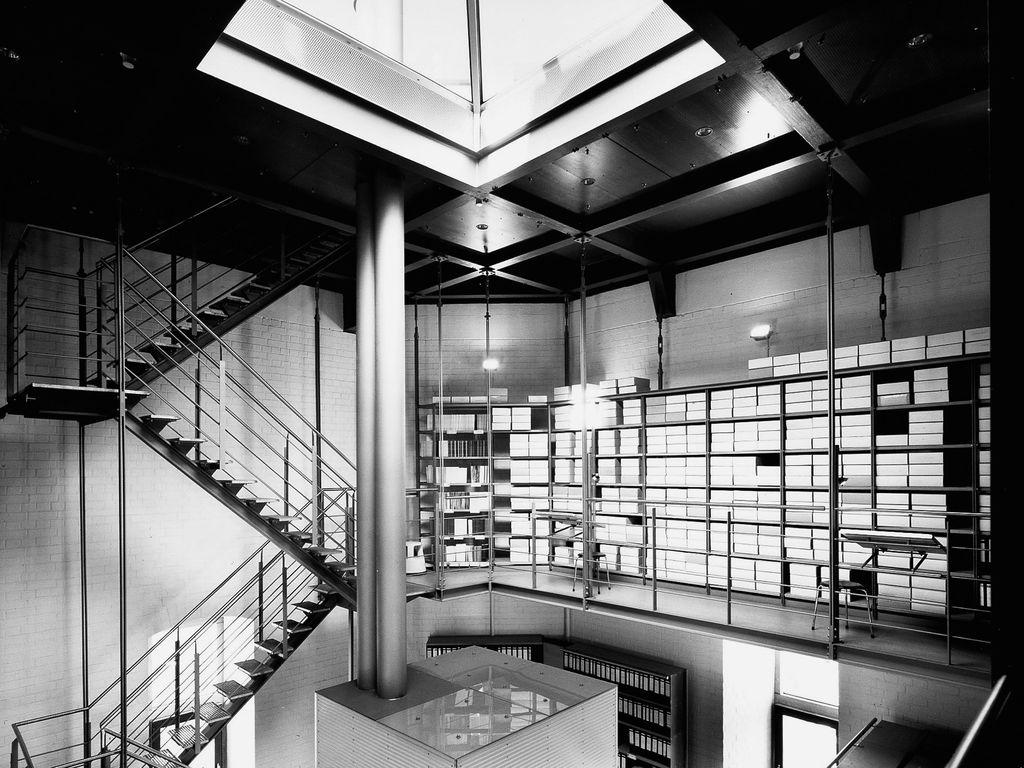 Bayenturm Bibliothek schwarzweiss