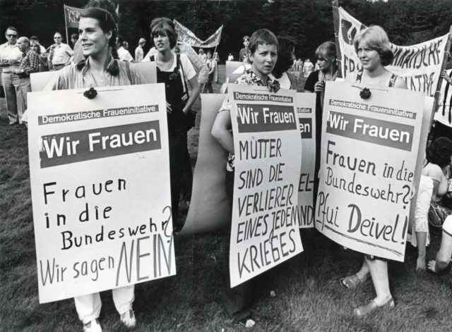 © Brunhilde Hüring, Demonstration der Demokratischen Fraueninitiative in Dortmund, 01.09.1979 (FMT Shelf Mark: FT.02.0332)
