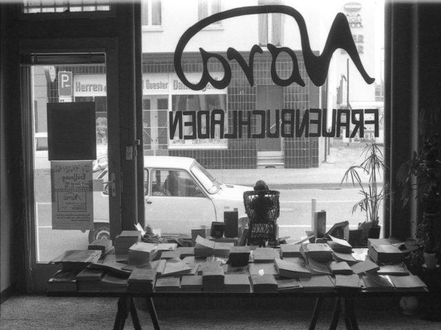 Frauenbuchladen Nora, © Barbara Metzlaff, Quelle: EMMA-Archiv (FMT-Signatur: FT.02.0351)
