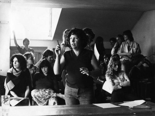 Treffen schreibender Frauen, 1976, © Ina Suchert, Quelle: EMMA-Archiv, Treffen schreibender Frauen in München, Mai 1976 (FMT-Signatur: FT.02.0248)