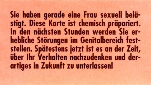 Postkarte, 1994, Pressedokumentation I : Sexuelle Belästigung am Arbeitsplatz (FMT-shelfmark: PD-AR.03.07).