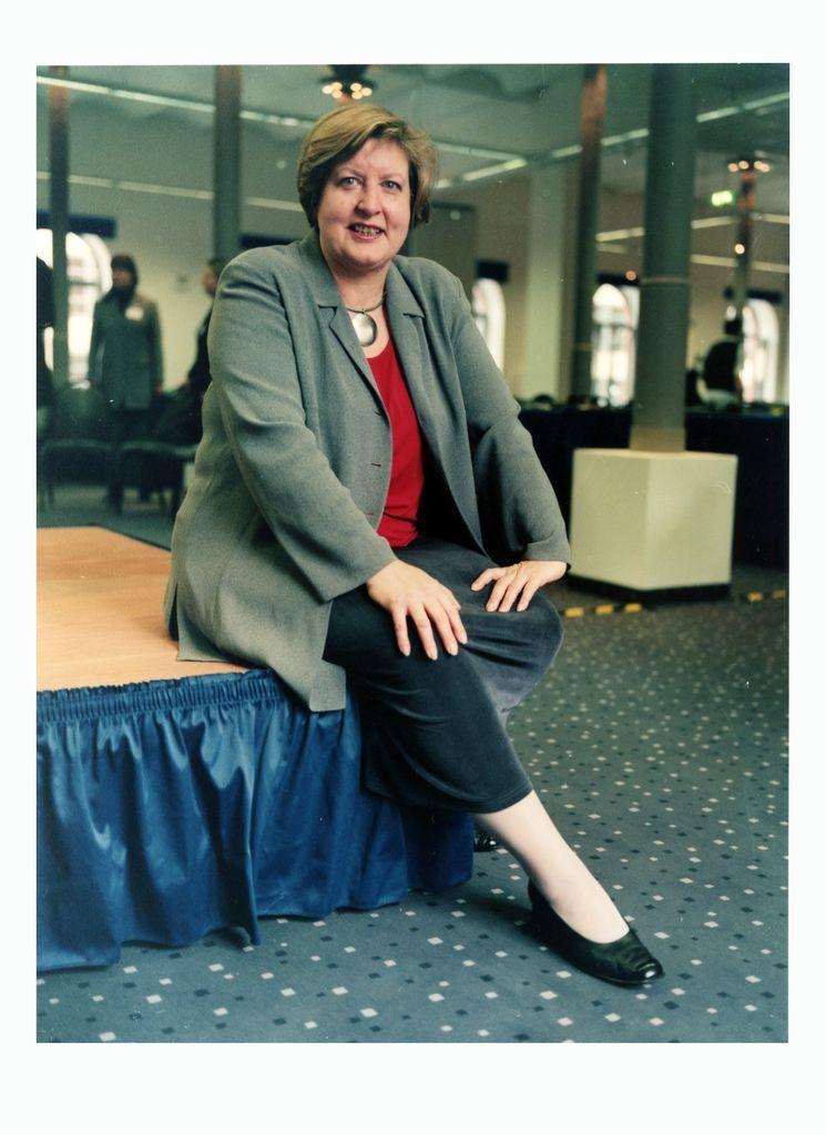 """© Bettina Flitner, Gründungskongress der Europäischen Juristinnenvereinigung unter dem Motto """"Strategien zur Durchsetzung des Rechts auf Chancengleichheit"""", Berlin, 17. bis 19. März 2000"""