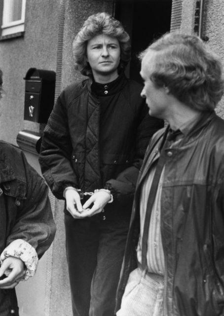 © Bernd Kulow, Verhaftung: Monika Weimar 27. Oktober 1986