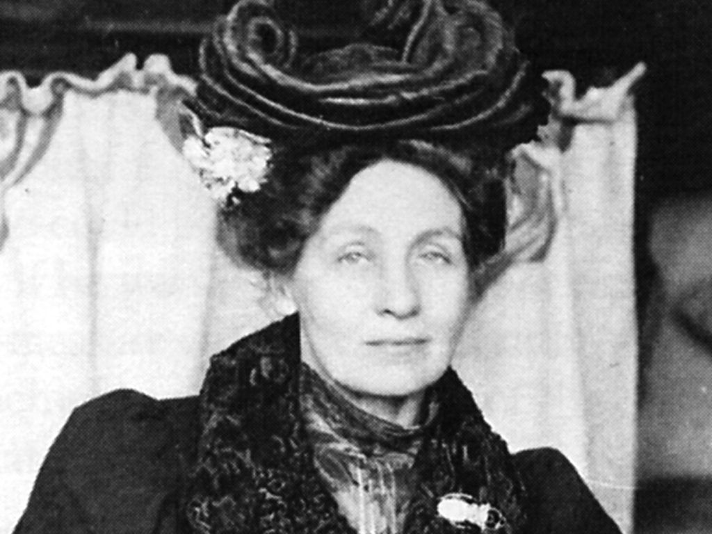 Zuschnitt Portrait von Emmeline Pankhurst, 1906, Quelle: Purvis, June: Emmeline Pankhurst : A biography - 1. Aufl. - London and New York : Routledge, 2002.