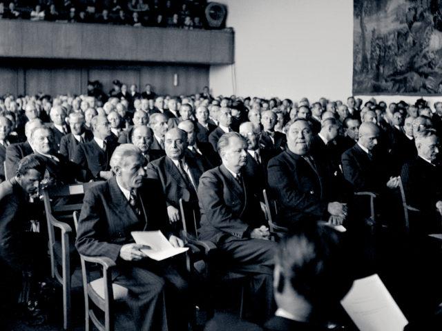 Parlamentarischer Rat 8.3.1949 © Erna Wagner-Hehmel / Haus der Geschichte Bonn (FMT-Signatur FT.03.0284)